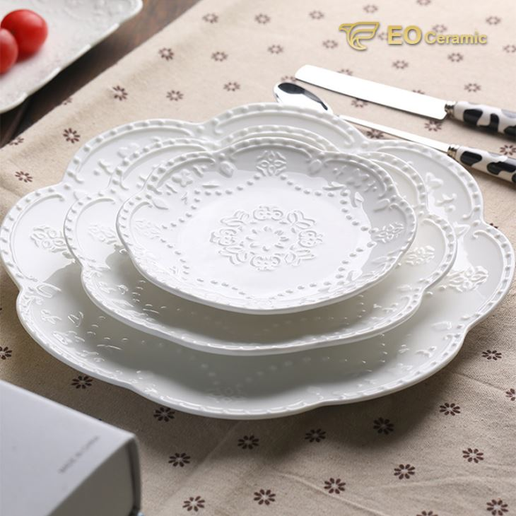 China Cheap Flower Shape Ceramic Dinner Plate Manufacturers ...